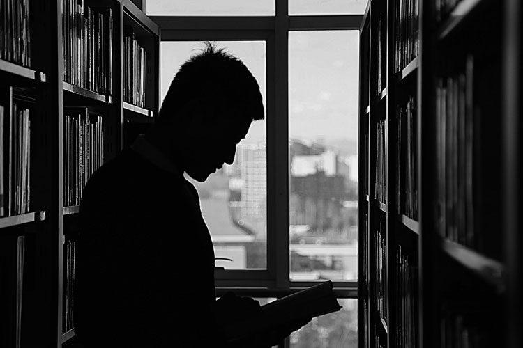 چگونه کتابهایی که در خواب میبینیم را بخریم؟