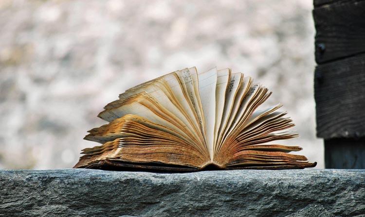 نوشتن یک داستان چند سال زمان میبرد؟