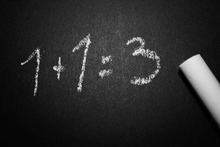 شباهت نوشتن به ریاضی